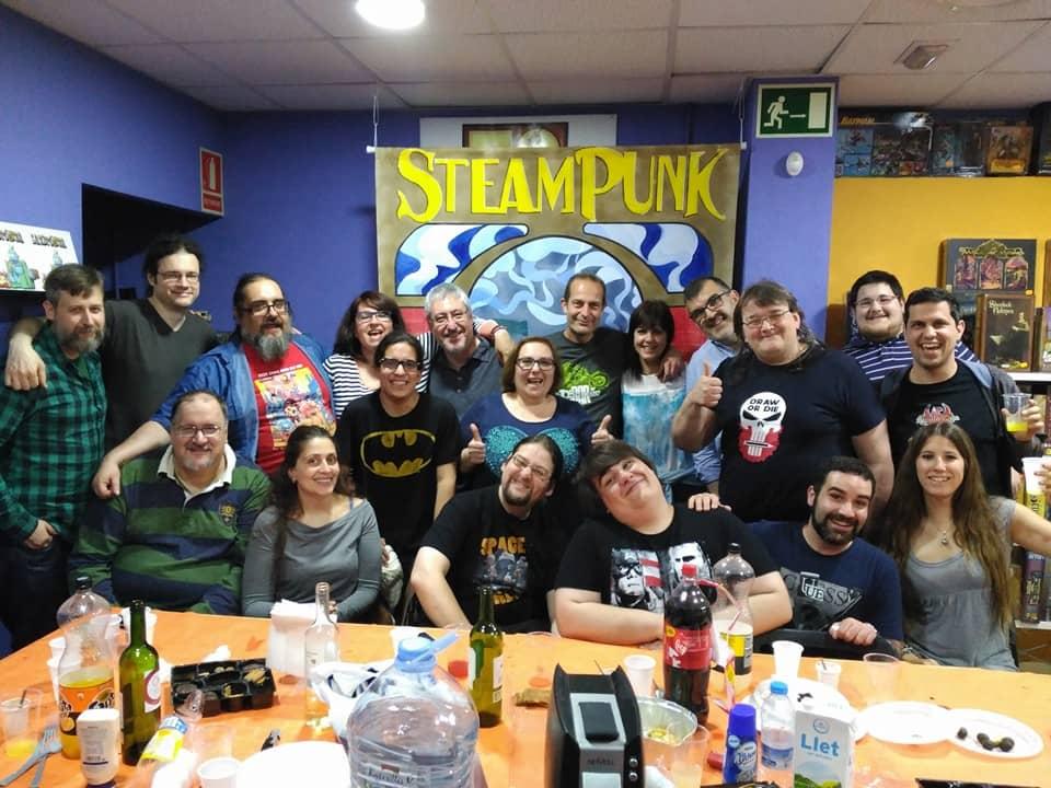 Foto de familia en Landròmina en el Día del Cómic gratis