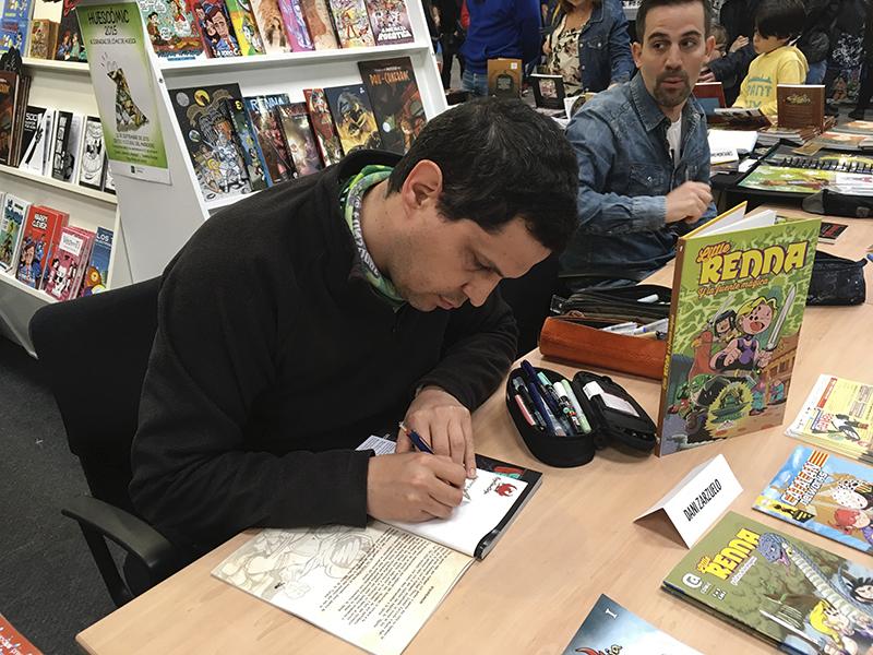 Firmando en el Salón del Cómic de Barclona 2017